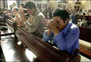 praying_in_church